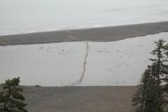 Браконьерская  загородка на нерестовой реке